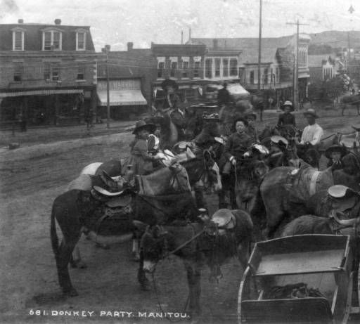 Highlands Ranch Public Library: Manitou Springs (El Paso County), 1887-1890. Children Pose