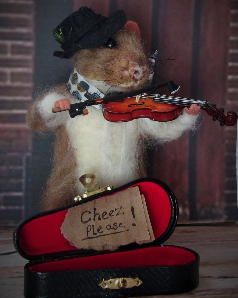 Needle Felted Violinist Street Performer Gypsy Roma Rat by Artist R J Andreae   #NeedleFeltedAnimals