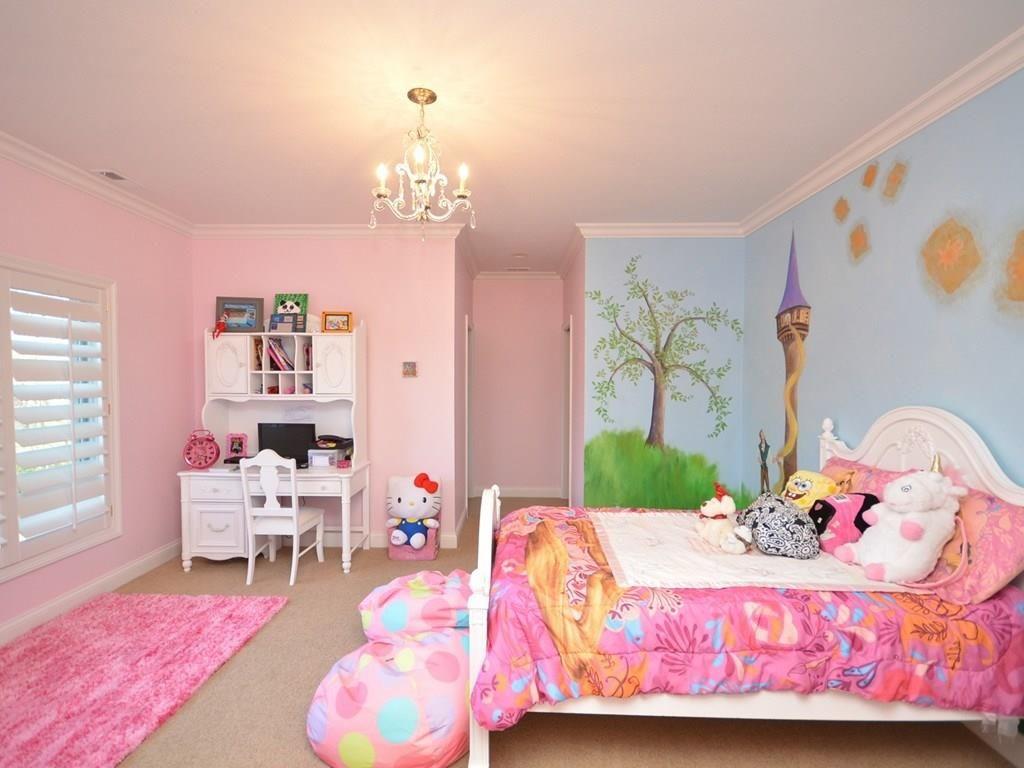 kids bedroom at 410 Breakwater Fishers IN