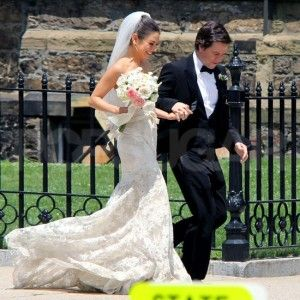 Ted With Mila Kunis And Mark Wahlberg Wedding Dresses Wedding Movies Wedding Dress Pictures
