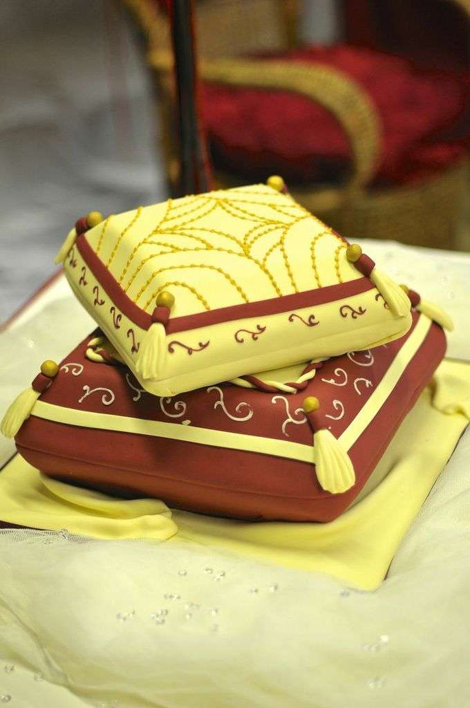 Pin by LoveweddingsNG on Traditional Wedding Cakes | Pinterest ...