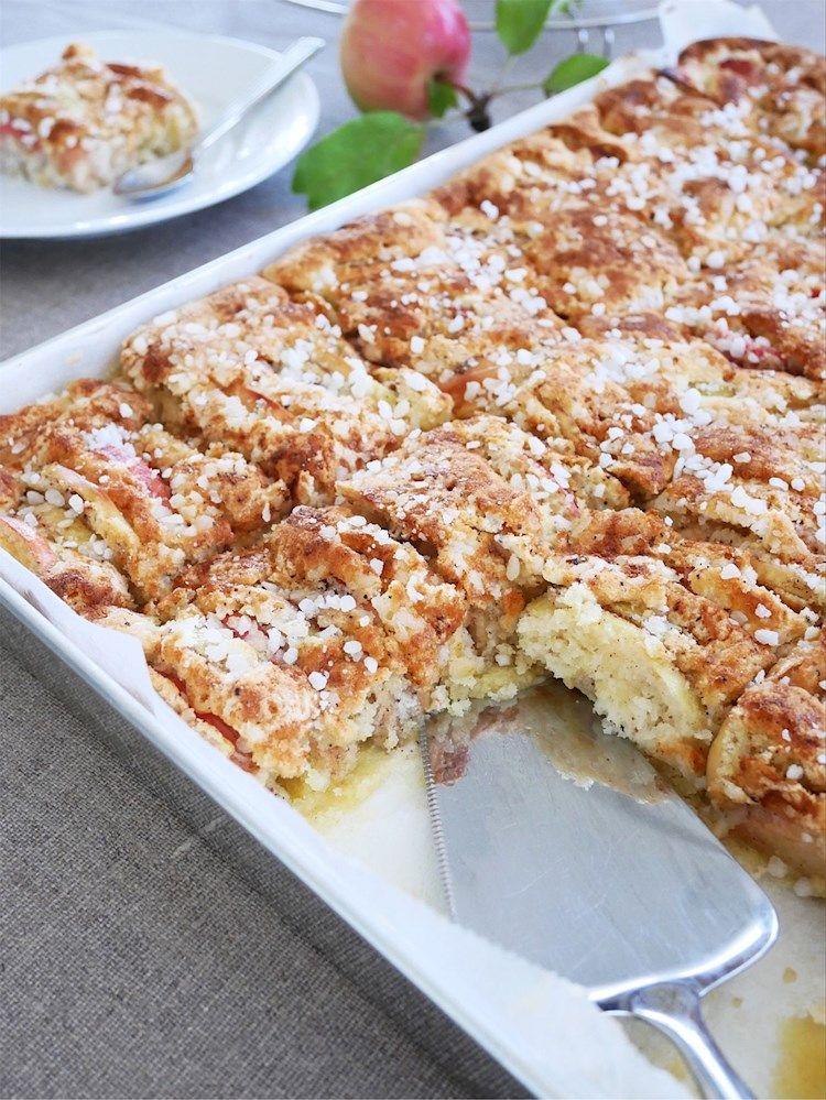 enkel äppelkaka med hyvlat smör