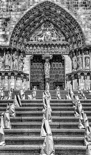 Puerta del Sarmental | por Konieq
