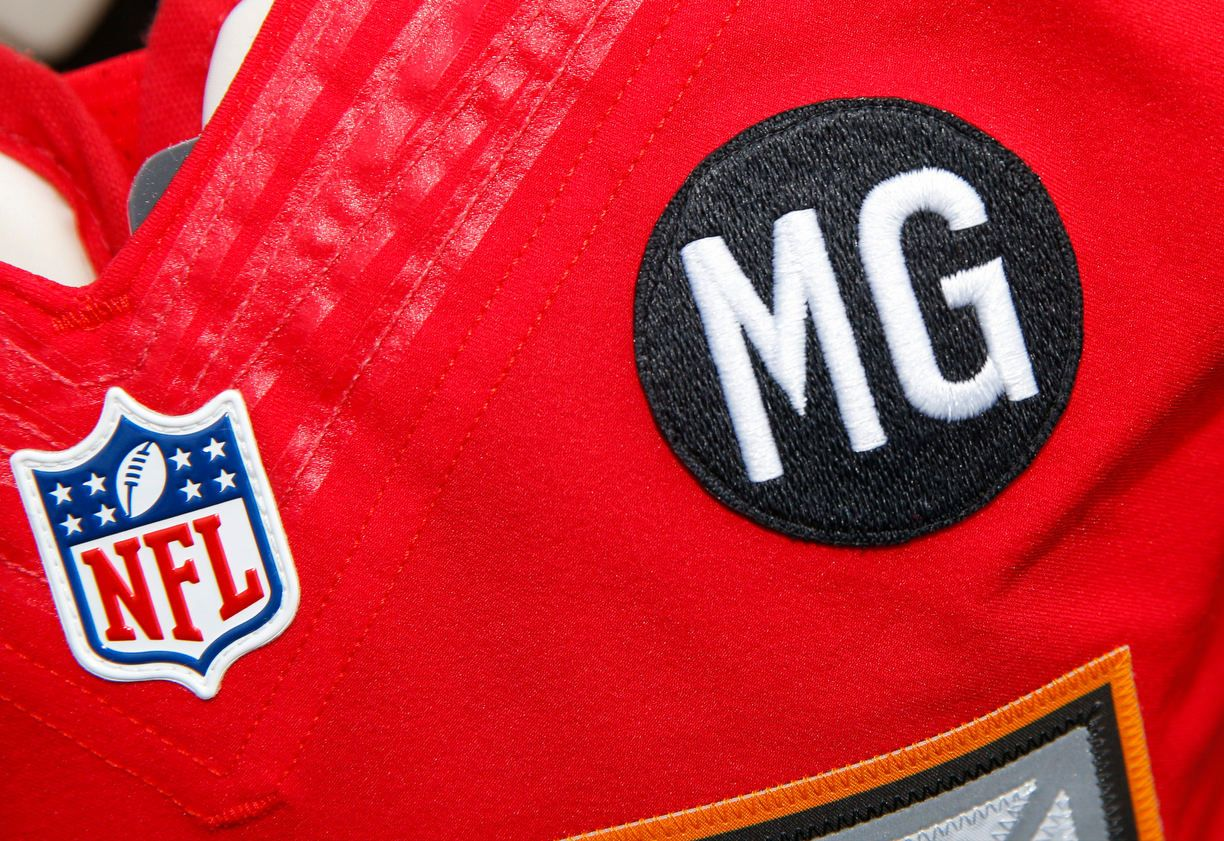 The Bucs Honor Late Owner Malcom Glazer With This Mg Patch For The 2014 Season With Images Tampa Bay Buccaneers Buccaneers Malcom