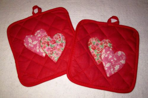 Set of 2 New Shabby Pink Appliqued Hearts on Red Potholders