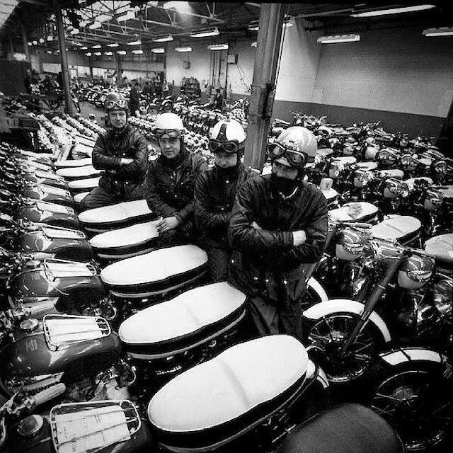 Triumph Factory 1967 Triumph Motorcycles Vintage Motorcycle Photos Triumph