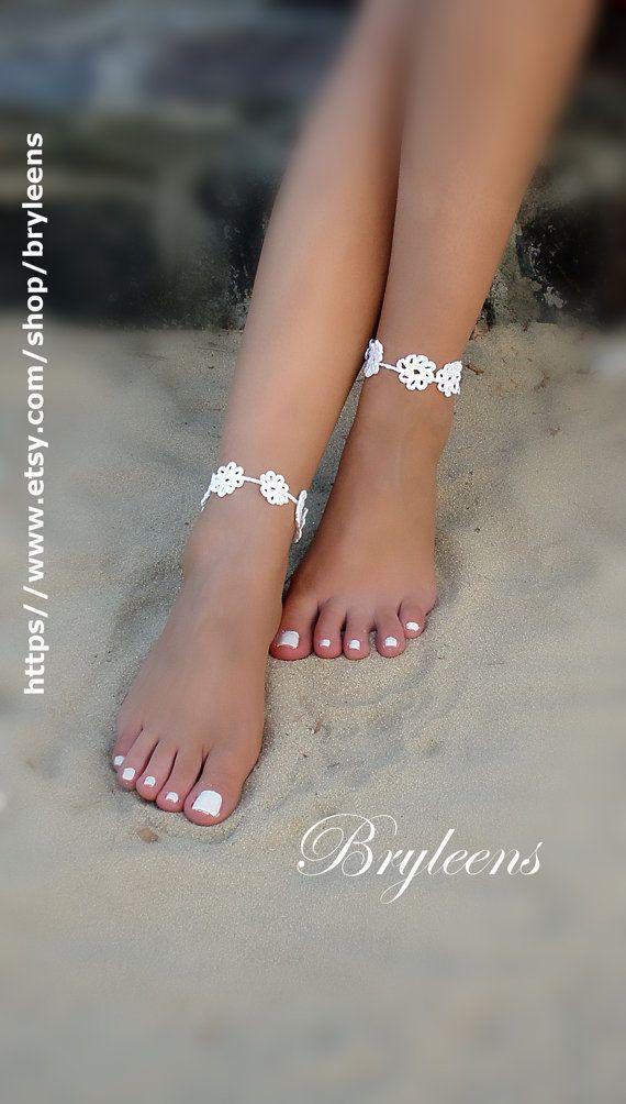 Sandalias Descalzas Crochet novia tobillo flor blanca por Bryleens ... 3b90bcf27388