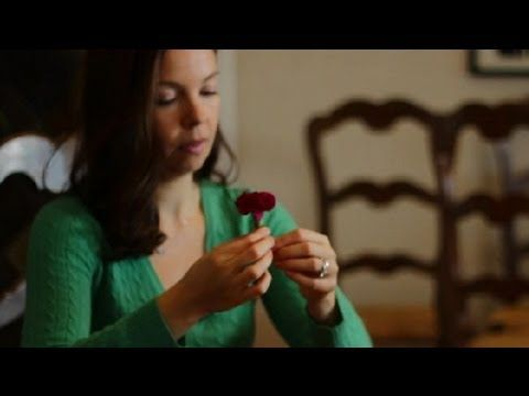 How to Make Boutonnieres Out of Carnations