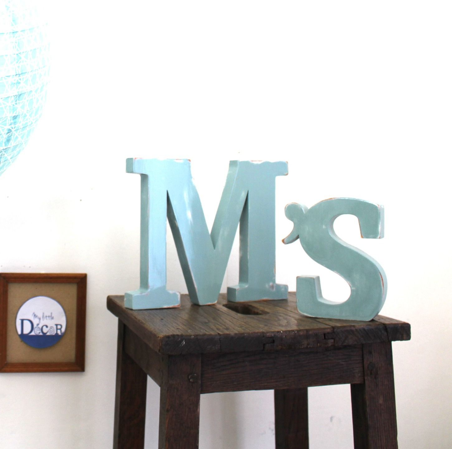 lettres en bois m 39 s poser bleu baltique mariage d coration mylittledecor initiale. Black Bedroom Furniture Sets. Home Design Ideas
