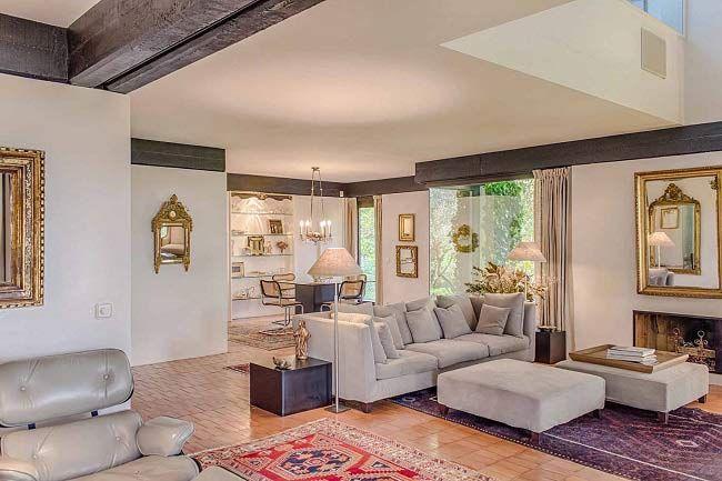 Excepcional villa de diseño con jardín en Alella Disenos