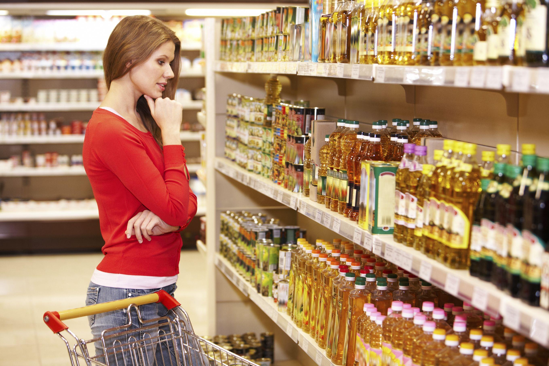 Para asegurar unidad de criterio, se considera un FMG a todo producto que no pueda ser localizado por el consumidor final en el lugar habitual de exhibición dentro del salón de ventas (Exhibición primaria).