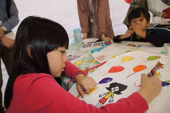 현대자동차의 키즈현대 푸른나라 그림대회에 참여하여 열심히 그림을 그리고 있는 멋진 모습~!  #hyundaimotorgroup #hyundai #kidshyundai