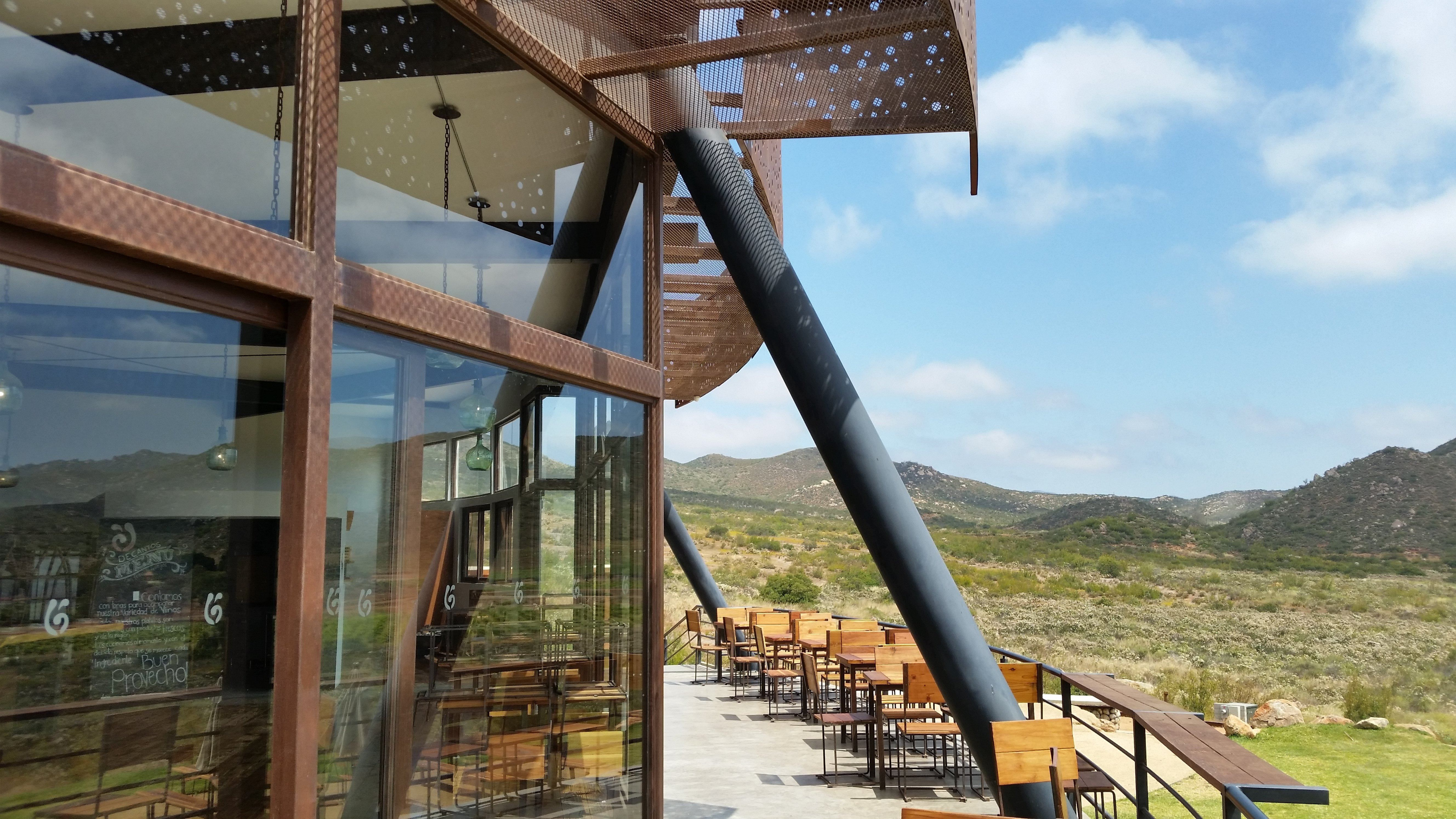 Decantos Vinícola in Baja California, a Contemporary Winery in a Rustic Setting