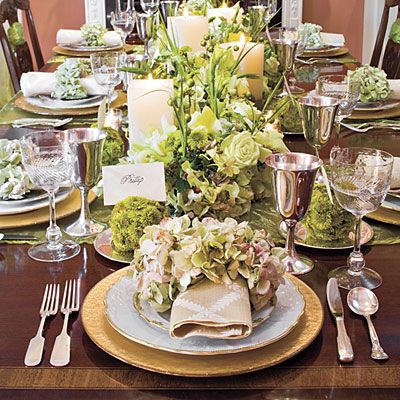 Christmas Dinner | Table settings, Tablescapes and Dinner table settings