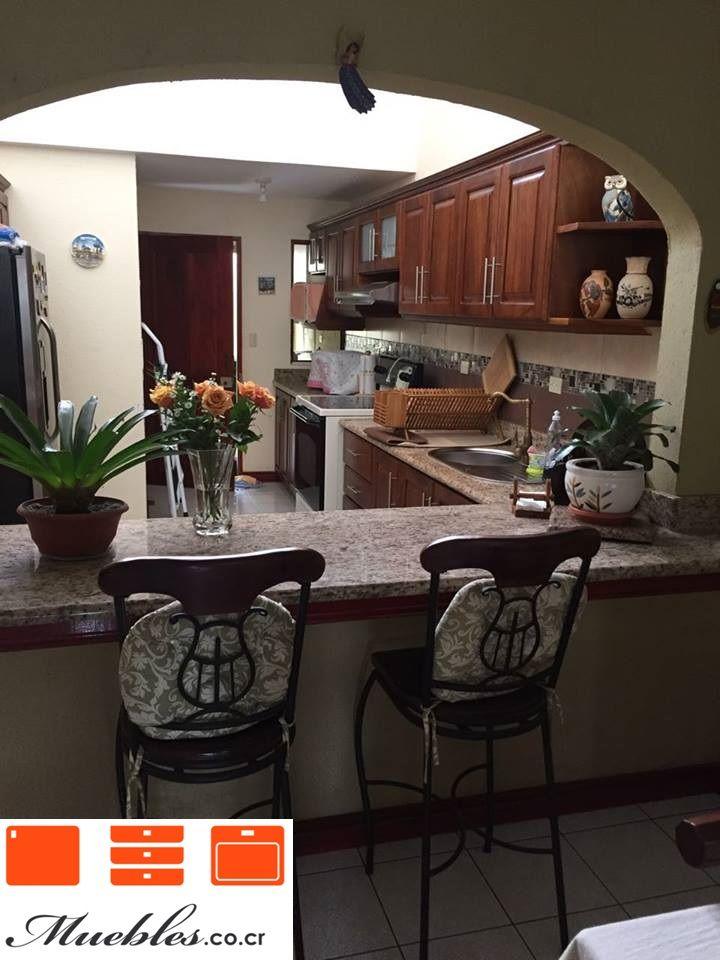 Mueble de cocina con desayunador de granito natural for Cocinas con desayunador