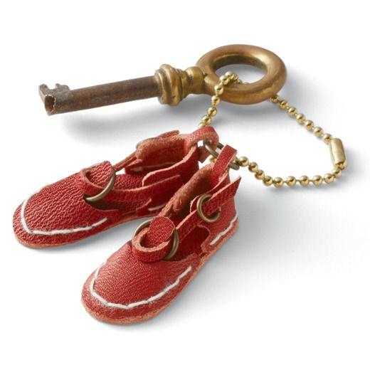革工房の職人さん気分 小さなモチーフをアクセントに 革小物ネックレスの会(6回限定コレクション)   フェリシモ tiny leather shoes !!