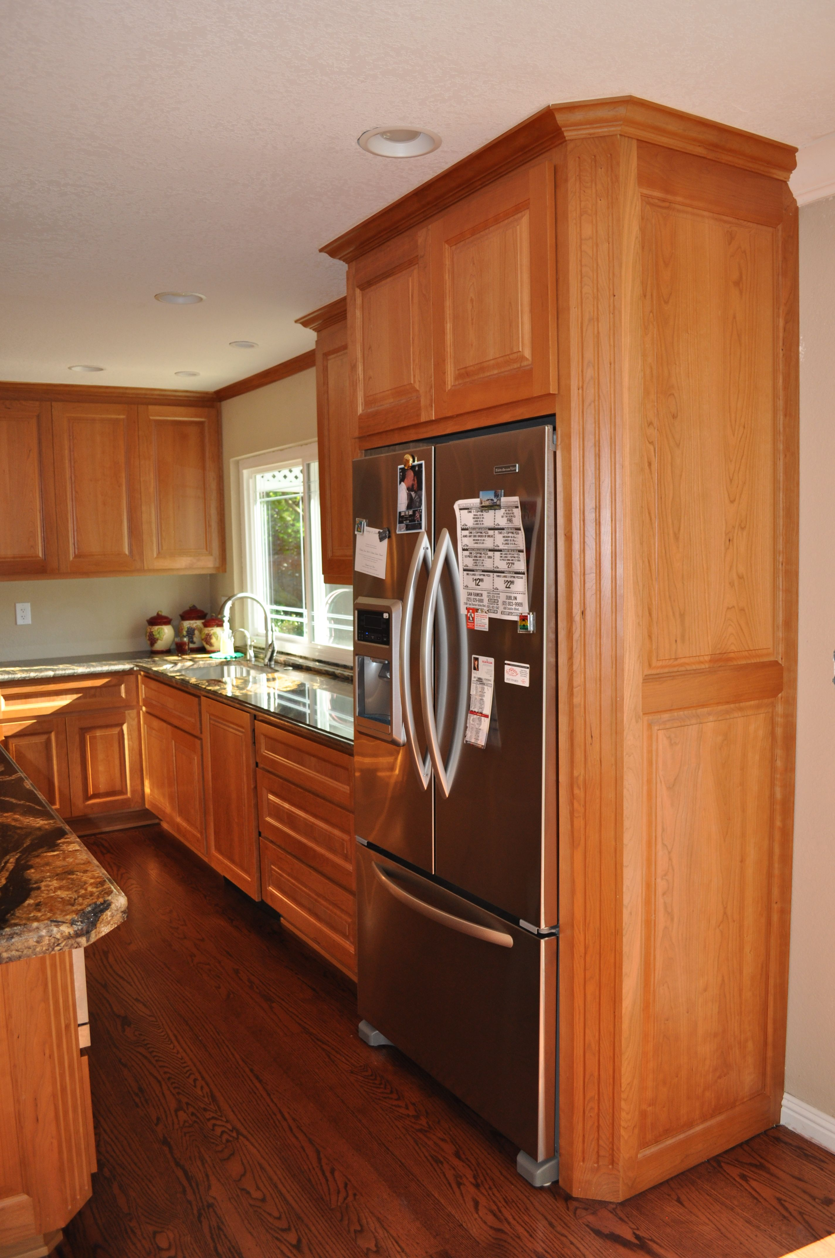 Cherry Wood Kitchen With Fluted Clipped Corners Shullscabinets Com Cherry Wood Kitchens Kitchen Remodel Home