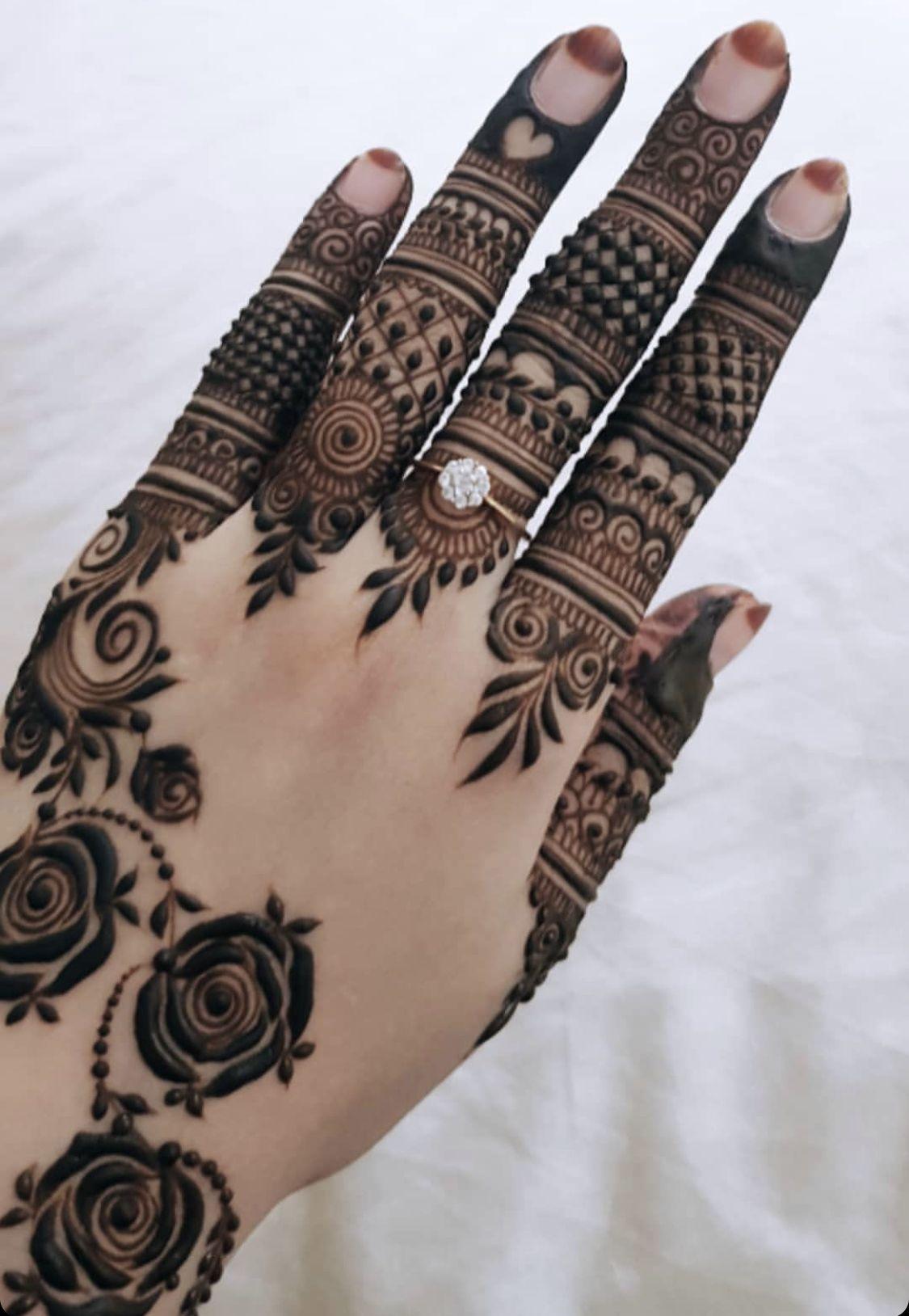 Pin By Vaishali Kulhar On Mehendi Modern Mehndi Designs Mehndi Designs For Fingers Finger Henna Designs