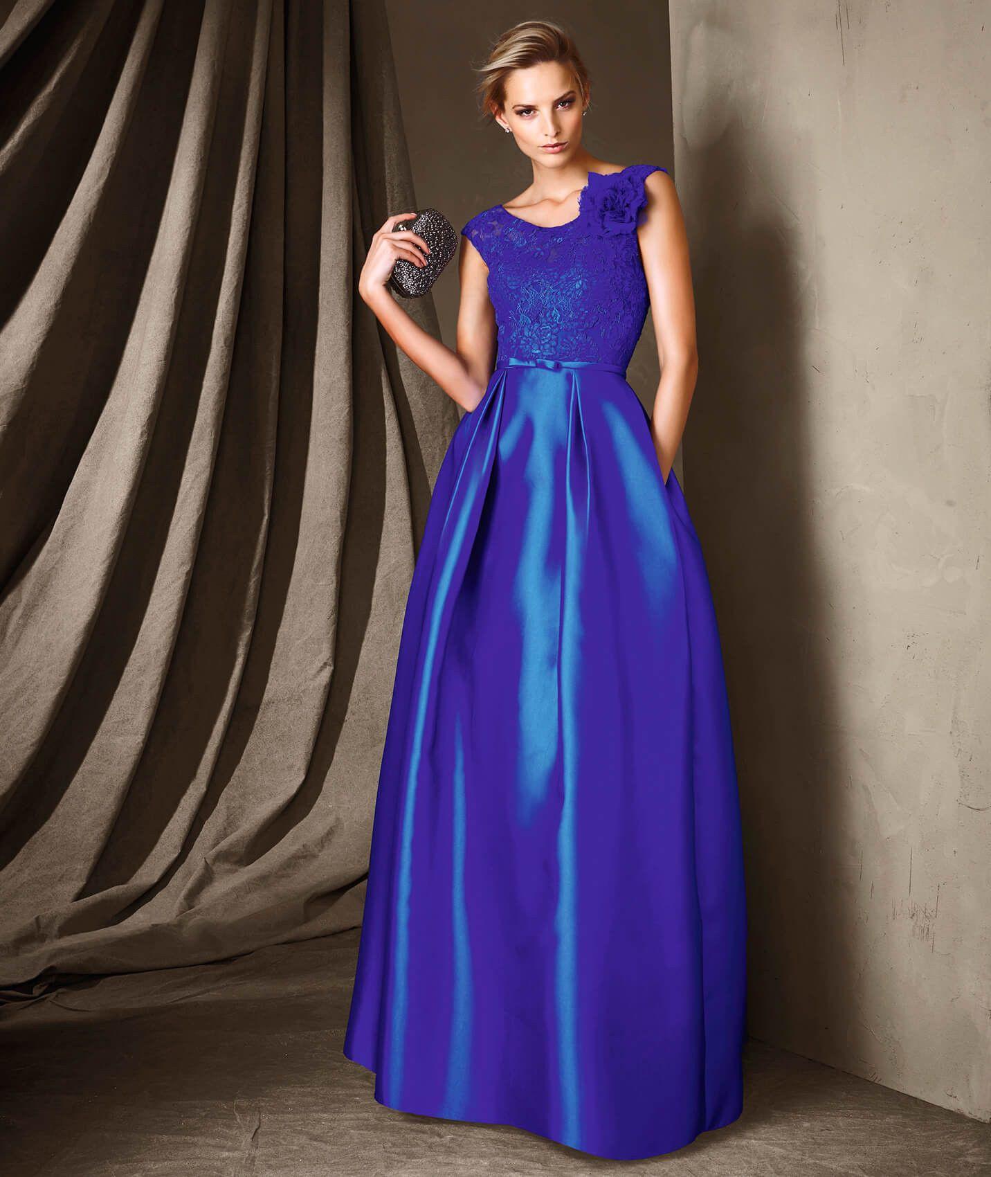 Un precioso vestido largo de fiesta de mikado, encajen chantilly con ...