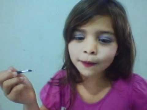Assista esta dica sobre Tutorial de Maquiagem Infantil com Rebeca Santos e muitas outras dicas de maquiagem no nosso vlog Dicas de Maquiagem.