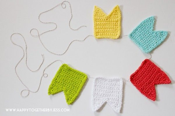 Crochet bunting free pattern by @jessfediw | Share Today\'s Craft and ...
