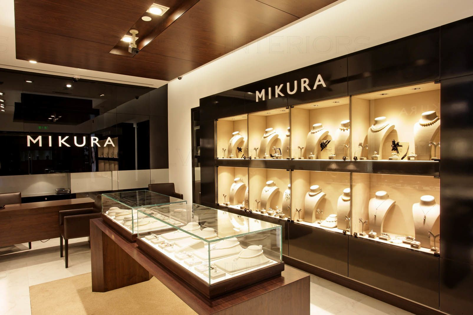 Turnkey Fitout Project For Mikura Pearls Jewelry Store Design