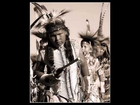 Native American Traditional Pow Wow Music Native American Music American Traditional Native American Videos