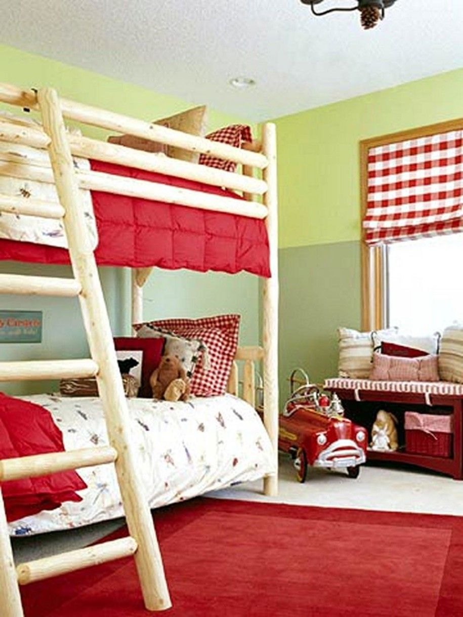 Astonishing Shared Kids Room Designs to Check Out: Mesmerizing Shared Kids Room Design with Wood Bunk Bed and Captivating Bay Window also Red Bed Quilt and Red Rug – Ewehome Interior Design Ideas and Furniture