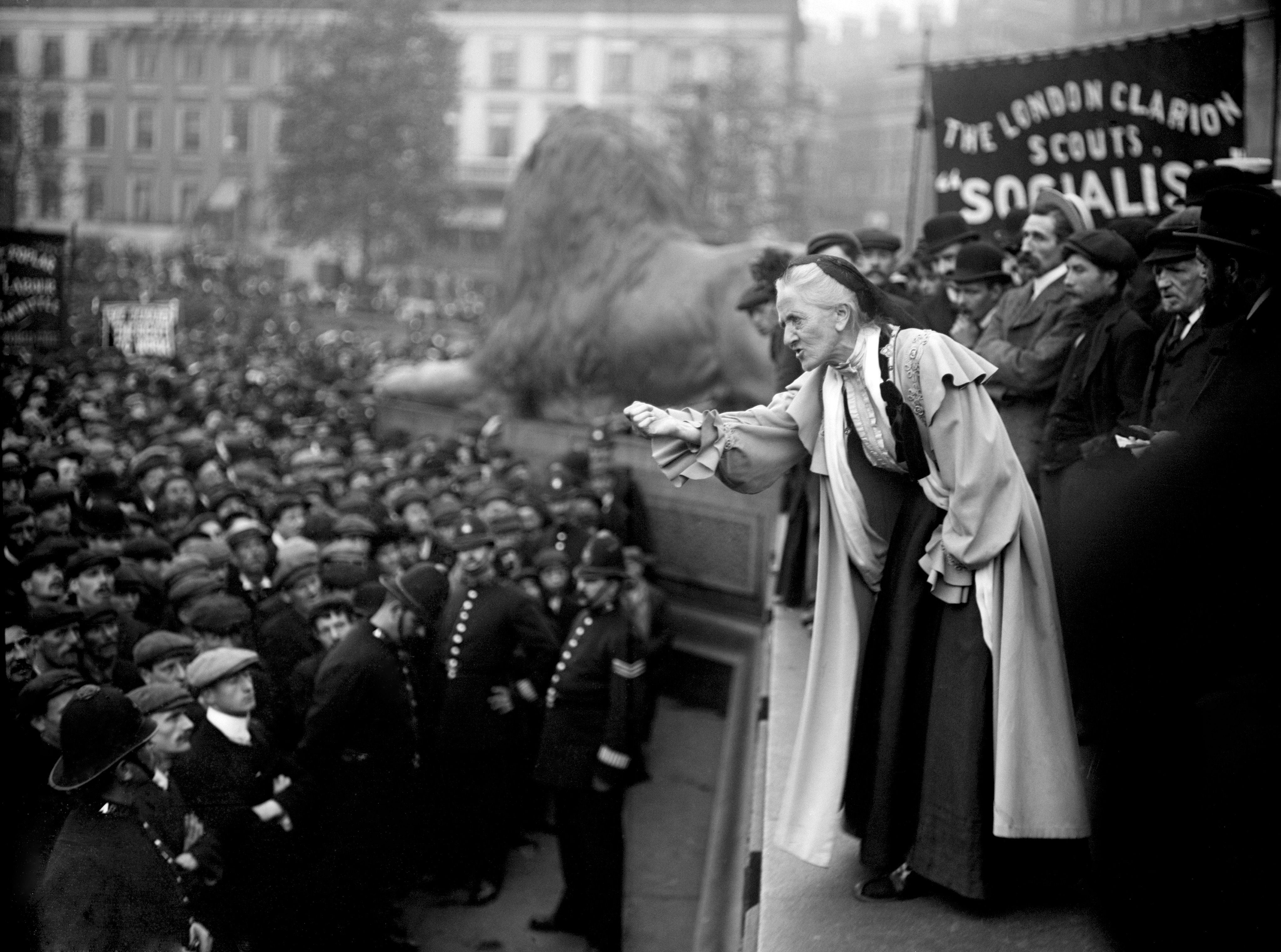Amazing Photos Of Demonstrations And Protests At Trafalgar Square Part 1 Flashbak Suffragette Trafalgar Trafalgar Square