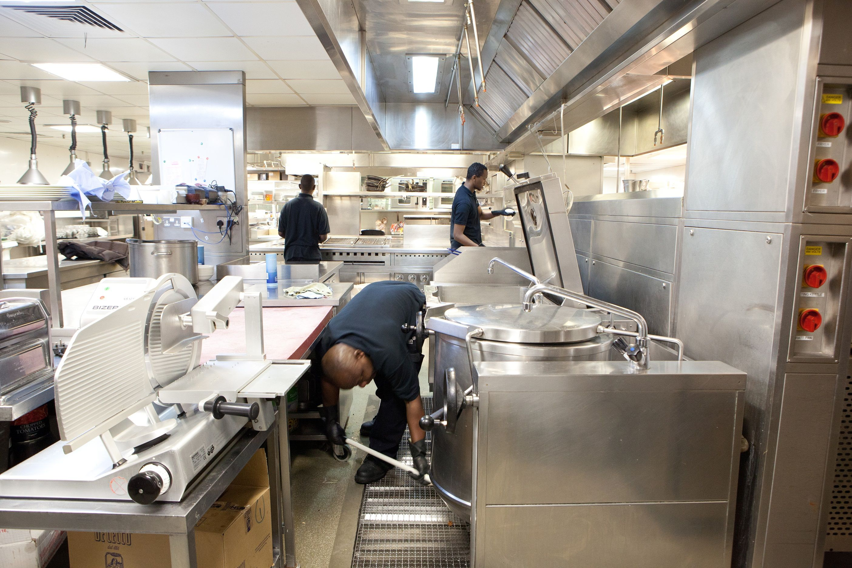hy5 offer unbeatable commercial kitchen cleaning in cumbria to help you ensure that your kitchen is - Restaurant Cleaner