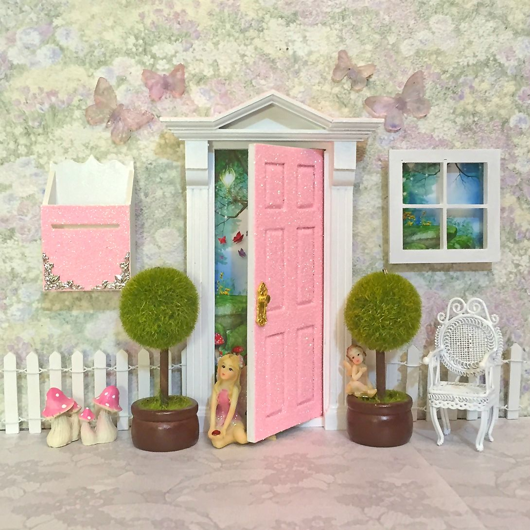 Sparkly Glitter Wooden Peaches N Cream Opening Fairy Door With Matching Accessories Handcrafted In Australia By Opening Fairy Doors Www Openingfairydoo Magicos