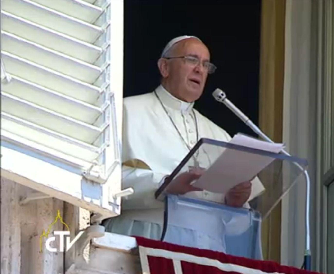 EL PAPA en este domingo de PENTECOSTÉS, durante el ANGELUS