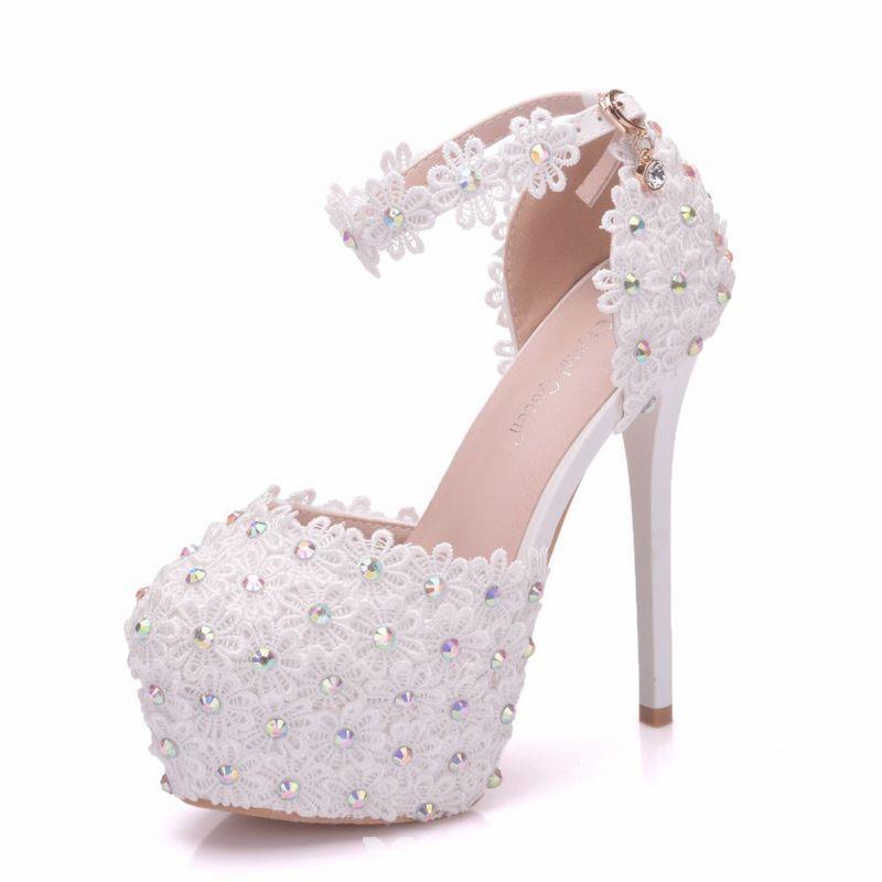 Stylowe Modne Biale Buty Slubne 2018 Z Koronki Kwiat Rhinestone Z Paskiem 14 Cm Szpilki Okragle Toe Slub Wysokie Obcasy Wedding High Heels White Wedding Shoes Wedding Shoes