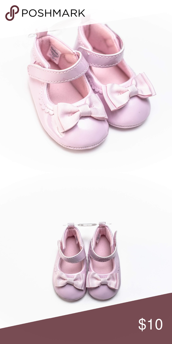 9b1259df5 Gerber Baby Girl Crib Shoes Size 2=3-6m Scalloped trim Ankle strap with