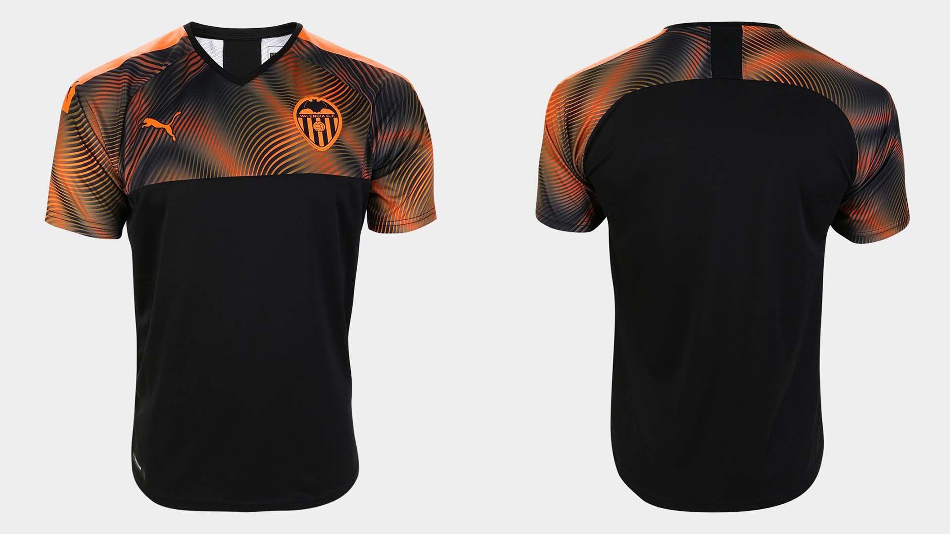 As 14 Camisas De Times Europeus Mais Bonitas Da Puma Camisas De Times Times Europeus Camisa De Futebol