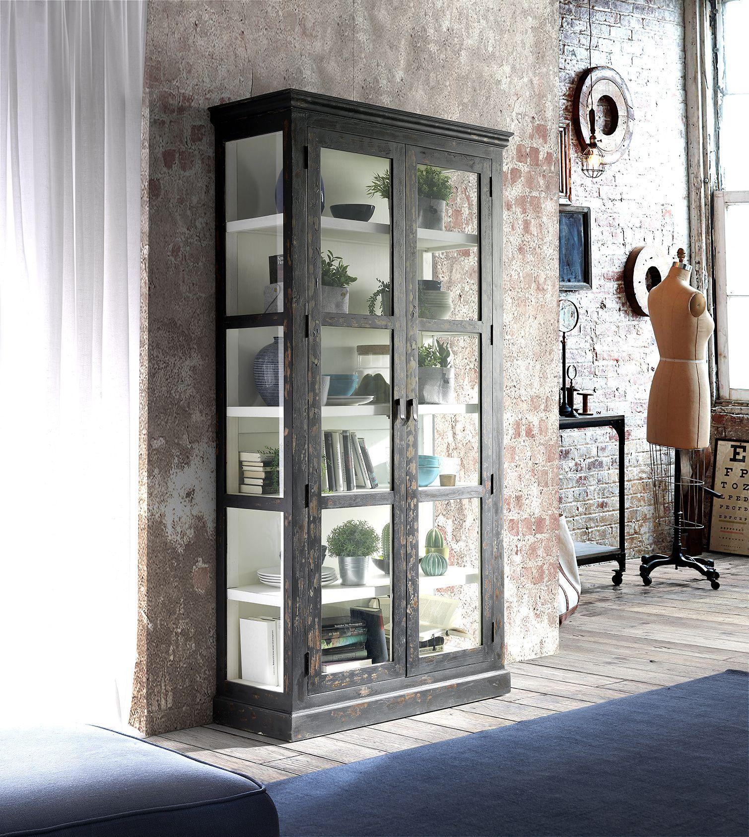 f6dd8f47487 Munduk | Vitrina Glass. Vintage, moderno, industrial...combínala con  cualquier estilo. Te sorprenderá. #mundukhome #madera #vintage #vitrina  #salón ...