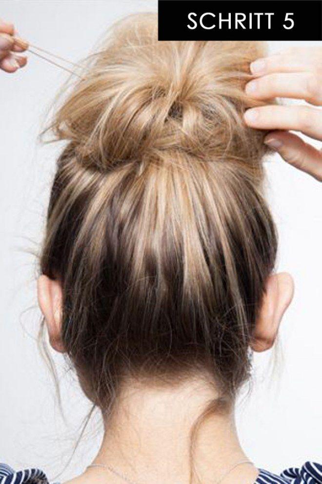 In 15 Sekunden Zur Trendfrisur Diese Messy Bun Anleitung Ist Super Easy Stylish Frisuren Lange Haare Anleitung Dutt Frisur Anleitung Trendfrisuren