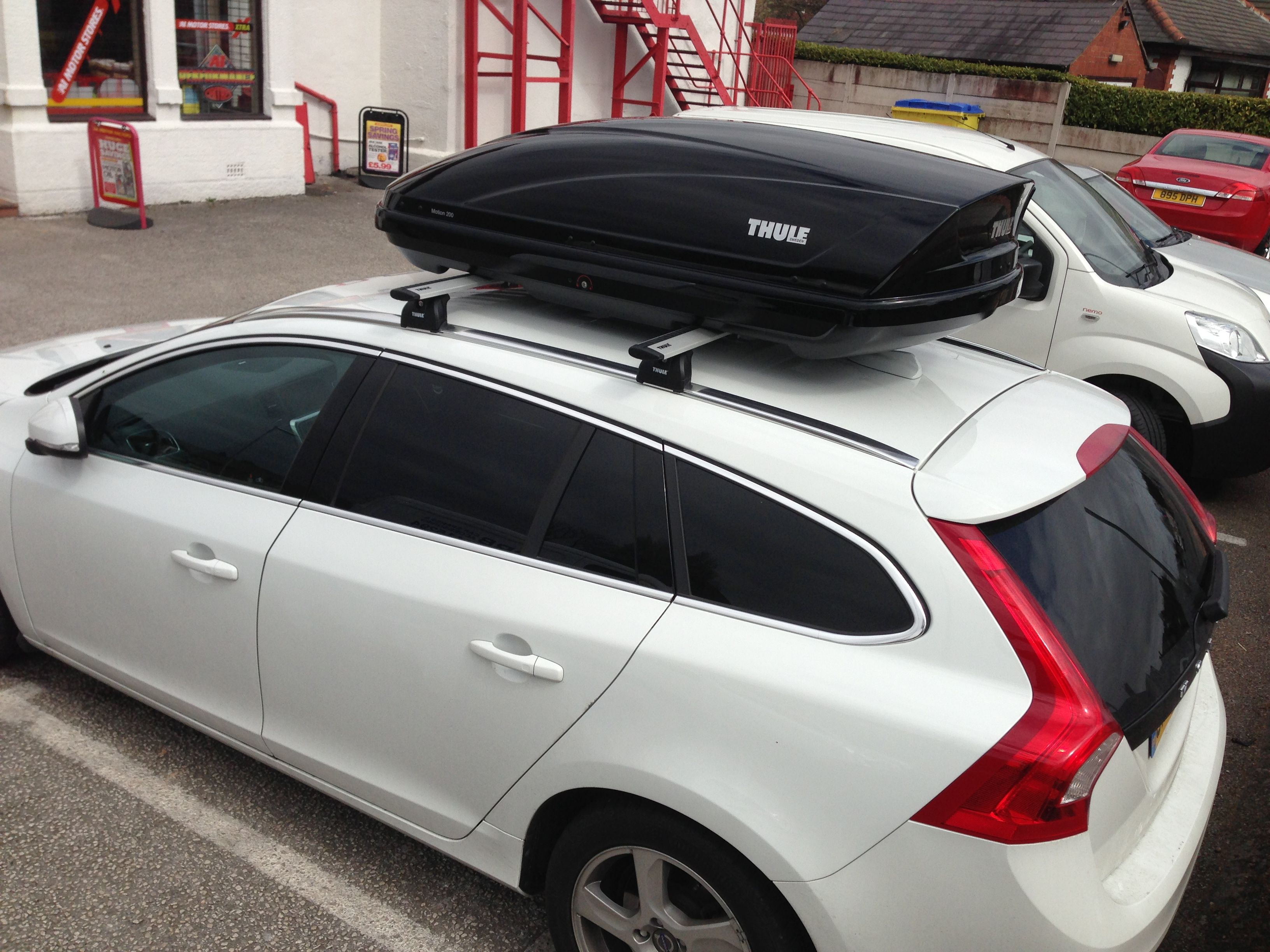 Thule Motion 200 roof box and bars, fitted free at DRB Car Spares ...