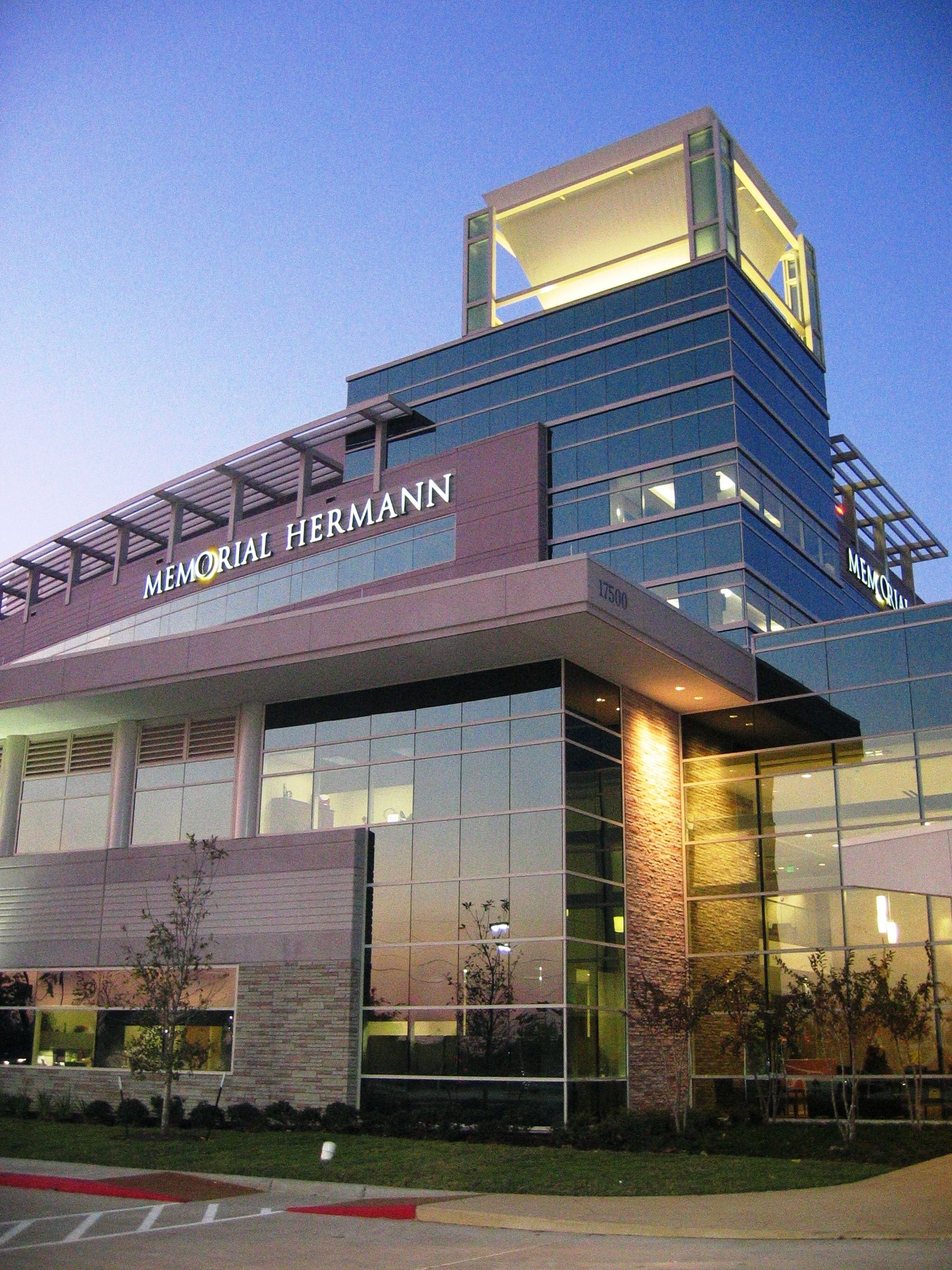 Memorial Hermann Sugar Land Hospital Is A 87 Private Bed Full Service Acute Care Facility That Brings Together Hospital Healthcare Interior Design Sugarland