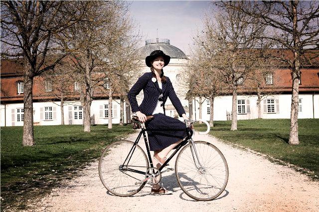 skirt with a top tube, just like me! --> Tweed Run Stuttgart