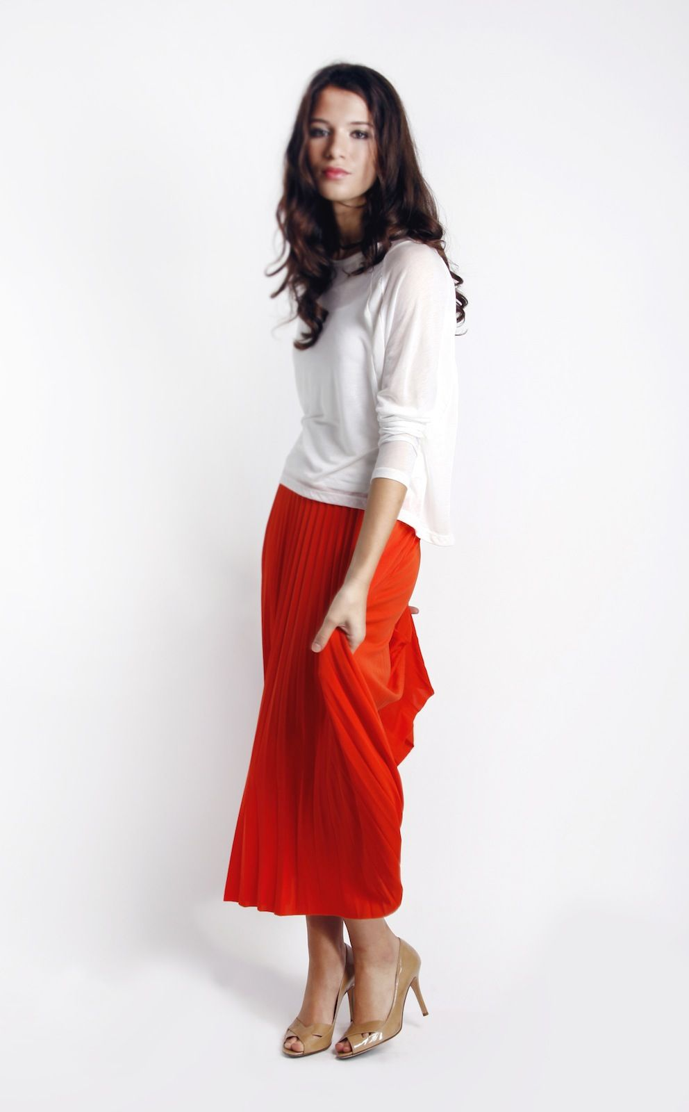 Long sleeve tee with sheer insert pleated maxi skirt ss
