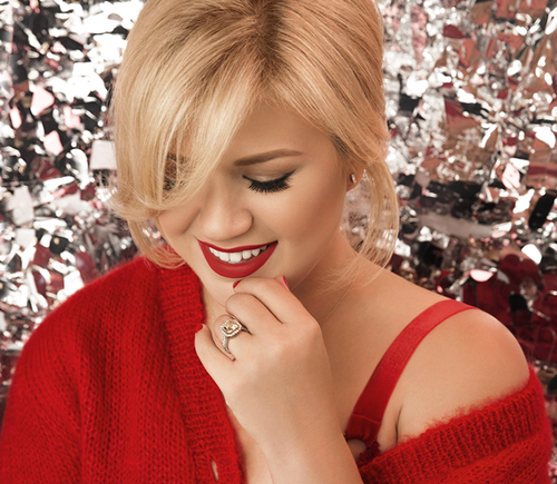 "judithdcollins: "" Kelly Clarkson Wrapped in Red "" 