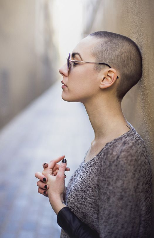 Sexy.......... female short hair shaved head for her