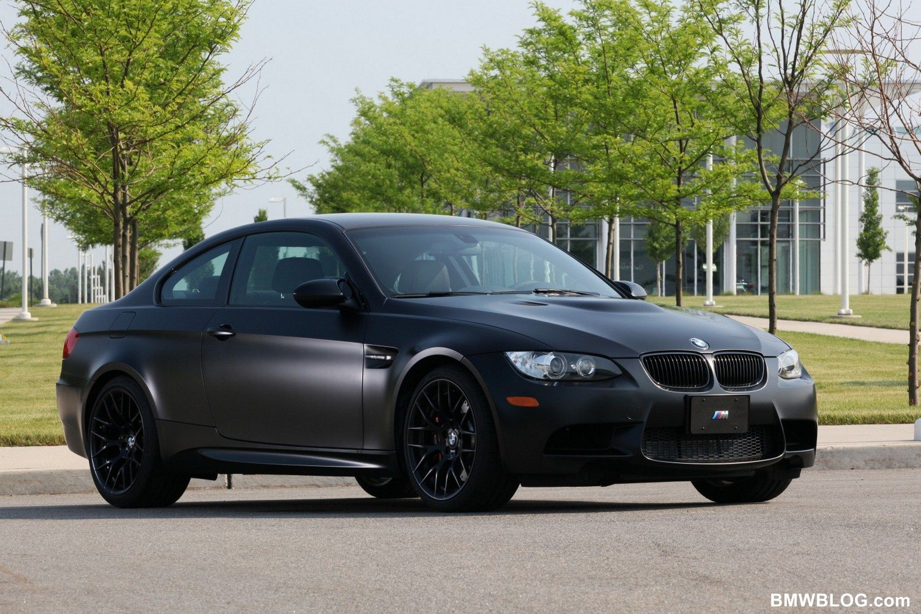 Superbe Vehicle · 2011 BMW M3 Coupe