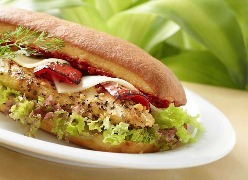 Ciabatta Ekmeğine Tavuklu Kızarmış Peynirli Sandwich - Grill Chicken with Cheese Sandwich