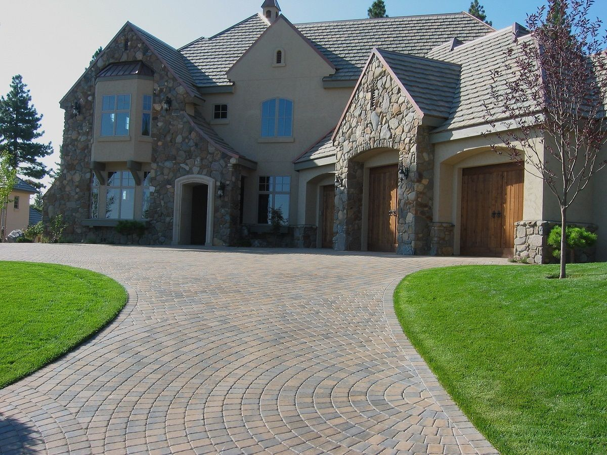 Calstone S Classic Cobble Circle Color Gray Charcoal Tan Driveway Pavers Design Paver Designs Commercial Landscaping