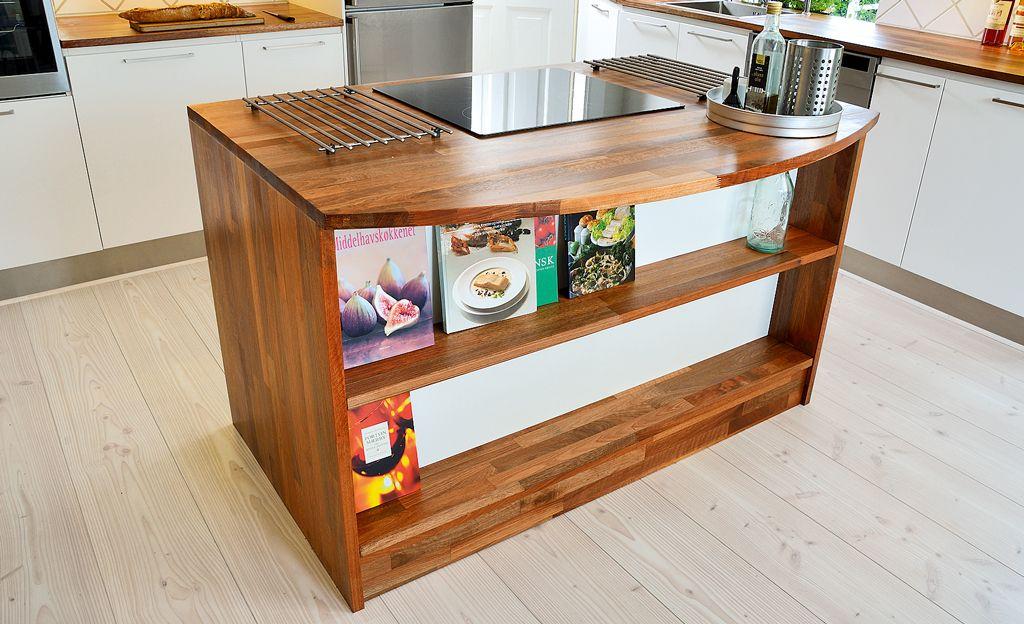Mobile Kücheninsel und hellblauer Retro Kühlschrank Café Area - k cheninsel selber bauen