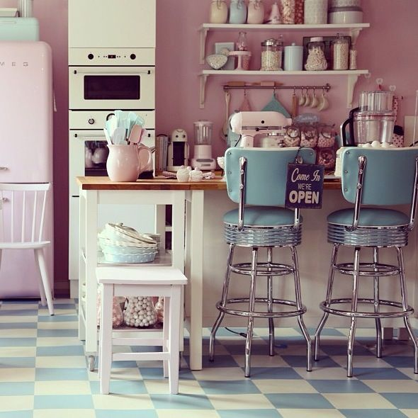 I LOVE The Style Of This Kitchen/cafe. It Has A 1950's