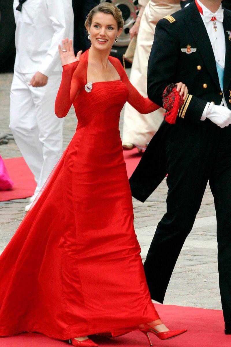 Pin von Kö ln auf Felipe & Letizia | Abendkleid, Kleider ...