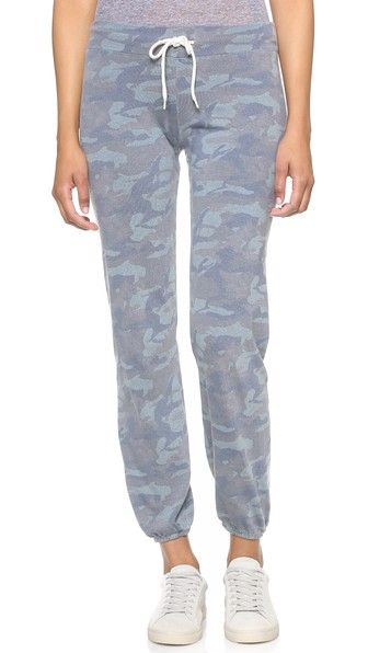 dd70acdf Camo Vintage Sweatpants | Sporty Chic | Sweatpants, Vintage ...